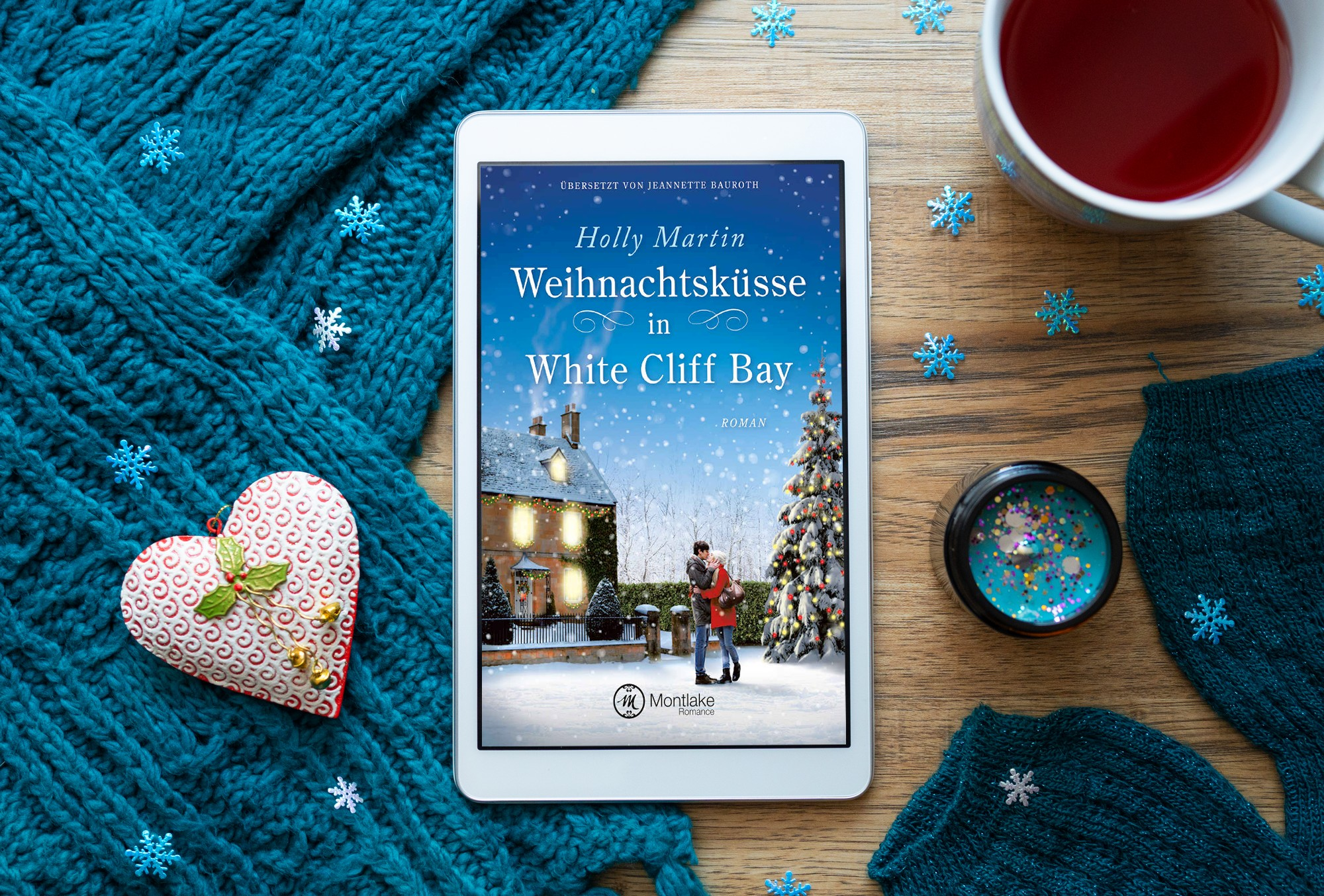 Weihnachtsküsse in White Cliff Bay – Holly Martin graphic